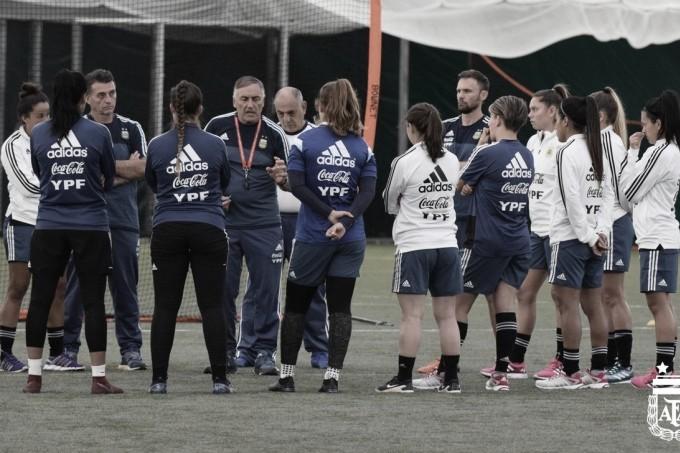 Primer día de entrenamiento del seleccionado nacional femenino de fútbol