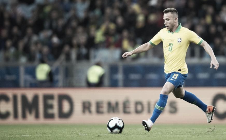 Arthur se diz em plena forma física e fala sobre entrosamento da Seleção
