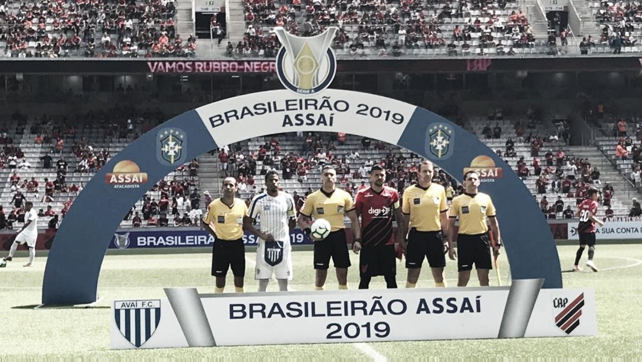 Avaí bate Athletico-PR fora de casa e consegue segunda vitória no Brasileirão