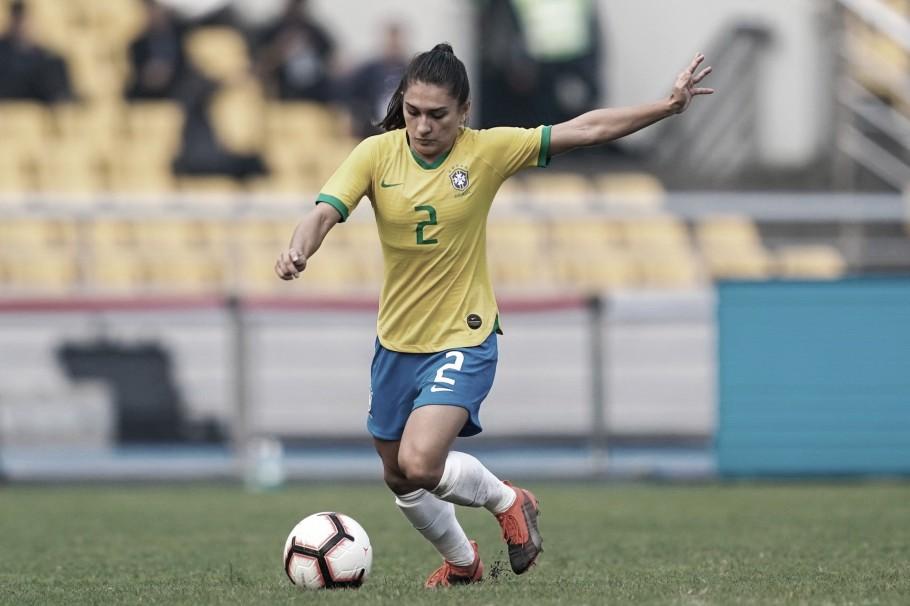 Lateral Letícia Santos sofre com lesão no ligamento do joelho e está fora das Olimpíadas