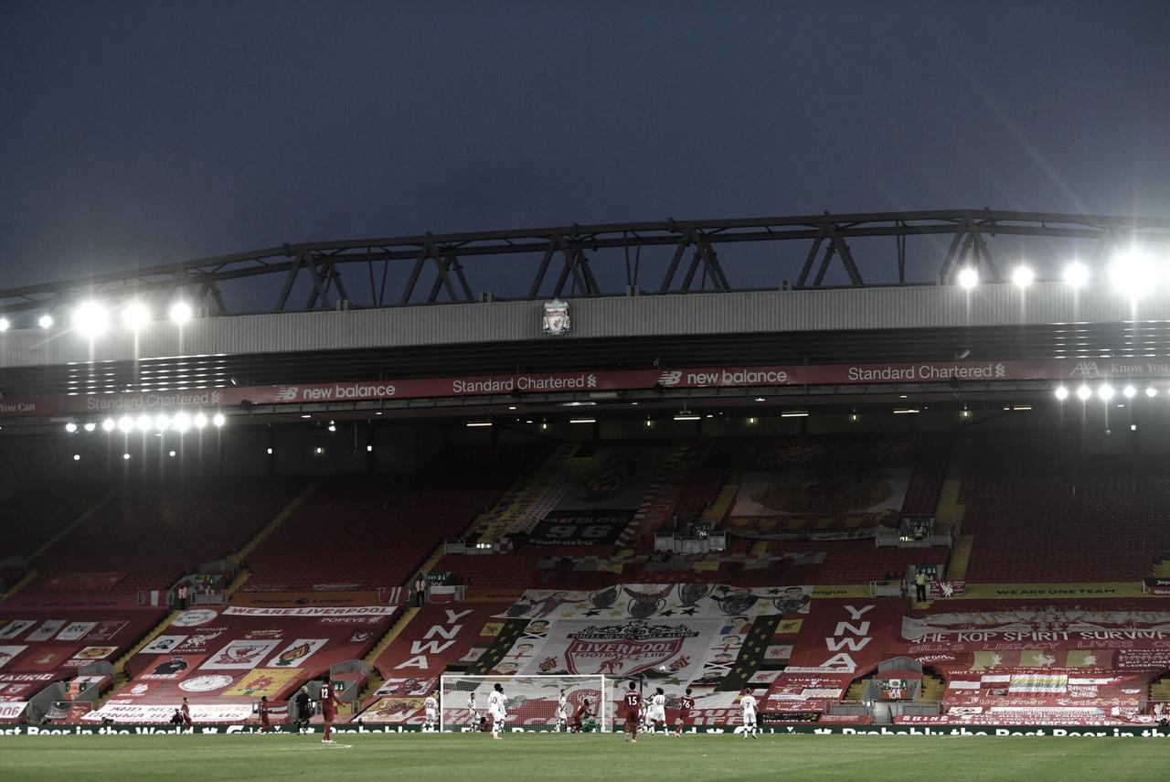 """Liverpool critica aglomeração da torcida na festa do título da Premier League: """"Inaceitável"""""""