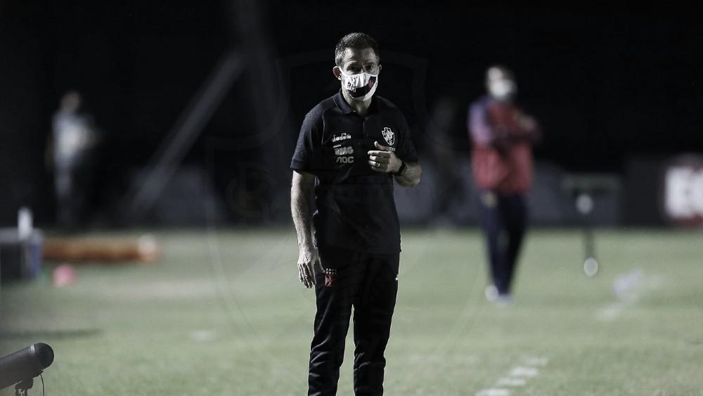 """Ramon elogia elenco do Vasco após eliminação, mas destaca: """"Precisamos evoluir"""""""