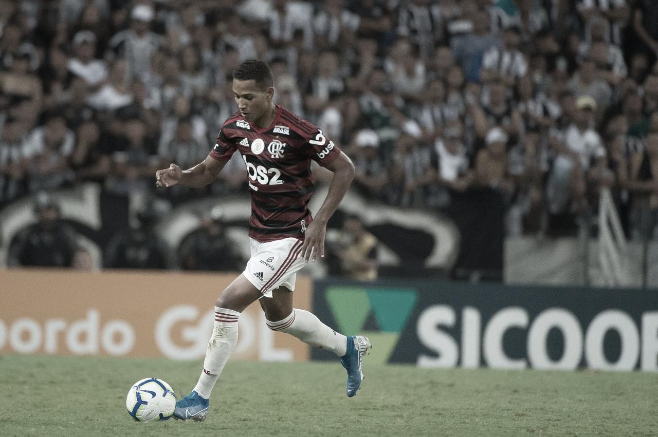 João Lucas testa positivo para Covid-19 e desfalca Flamengo na final da Taça Rio