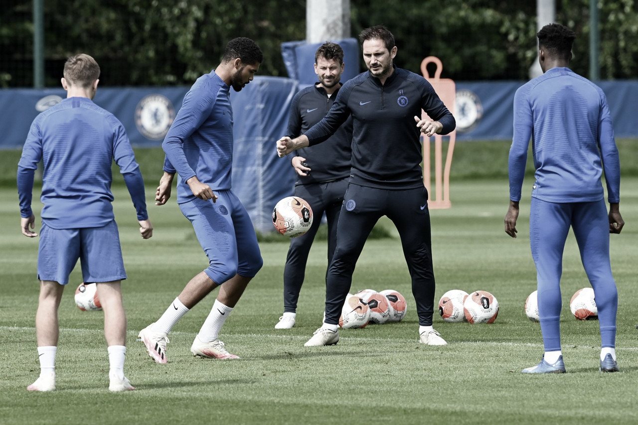 Na corrida pela Champions League, Chelsea recebe rebaixado Norwich