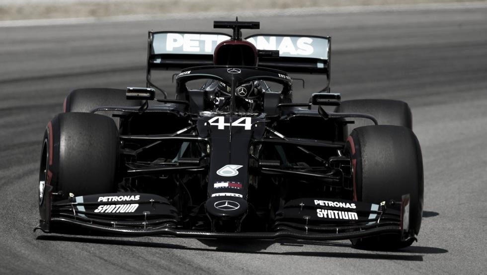 Hamilton es el poleman en Barcelona