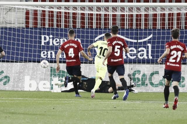 Sergio Herrera para un disparo de Correa. Fuente: Osasuna