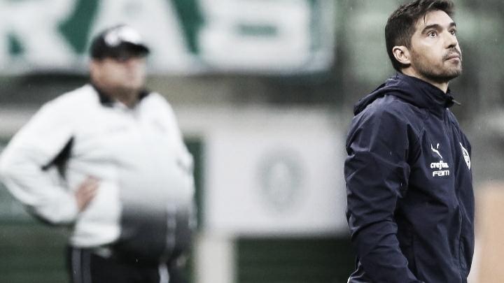 """Após vitória na Copa do Brasil e expulsão, Abel Ferreira se revolta com árbitro: """"Prepotência e arrogância"""""""