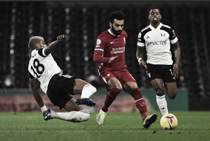 Liverpool sofre, mas arranca empate diante do Fulham