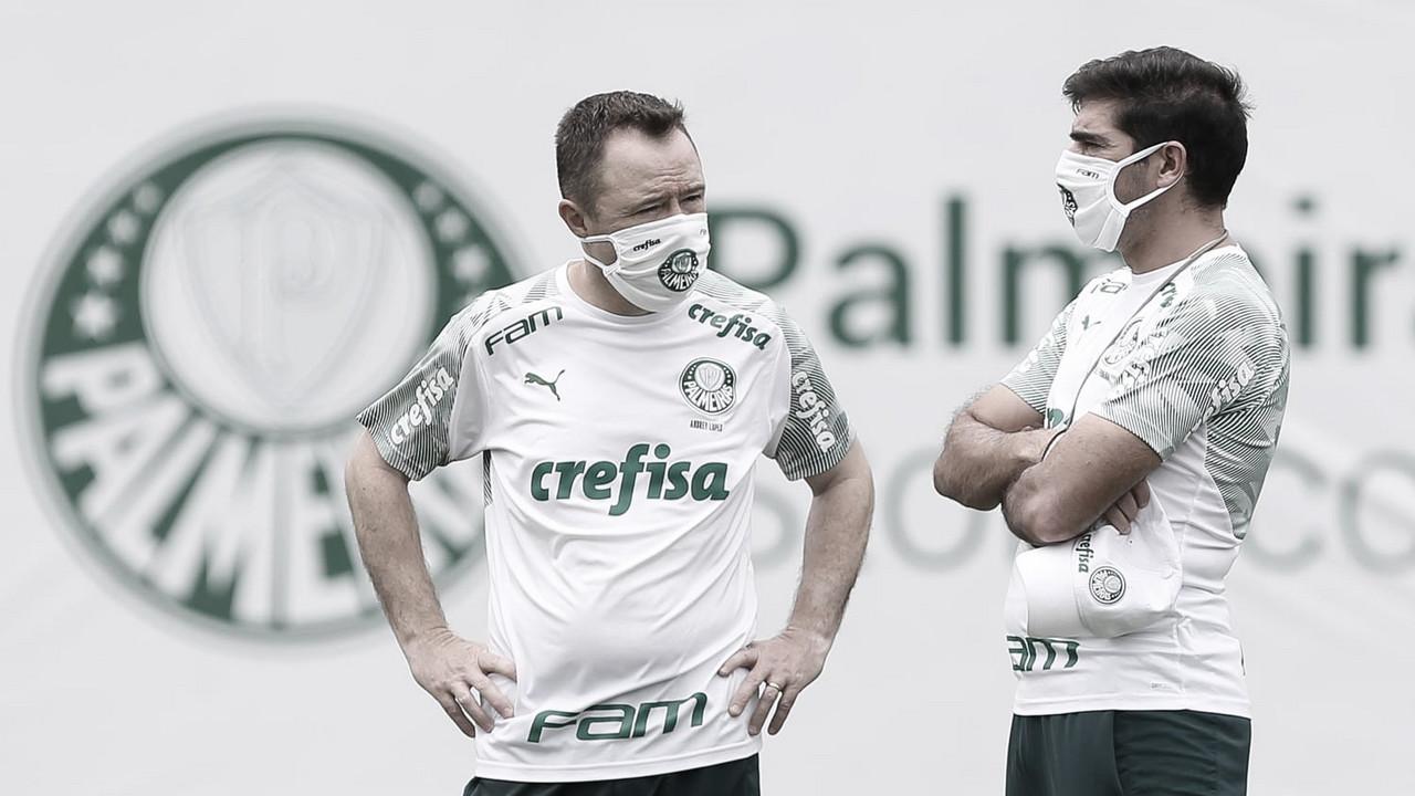 Com Abel Ferreira de volta, Palmeiras encerra preparação para duelo contra Libertad