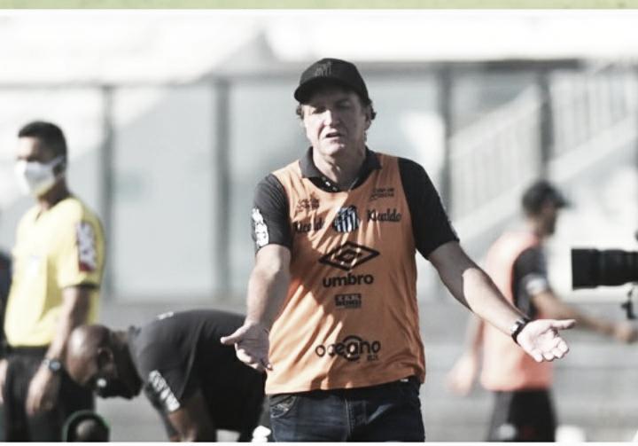 """Cuca reclama da retranca do Vasco, mas destaca: """"Tivemos mais controle, mas não eficiência"""""""