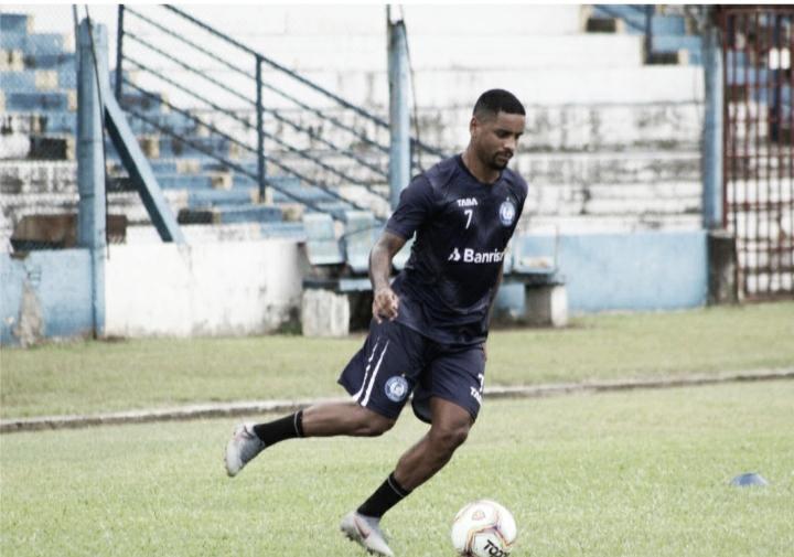 Após boa passagem pela Europa, atacante Marcelinho projeta temporada no Aimoré