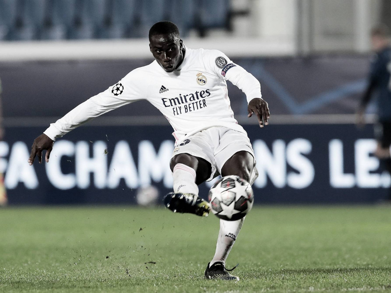 Real Madrid golpeó primero ante Atalanta