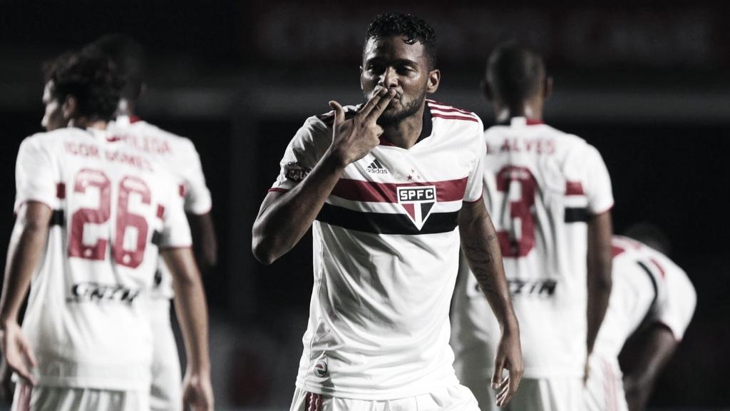 Vence e convence! São Paulo domina partida e goleia São Caetano no retorno do Paulistão