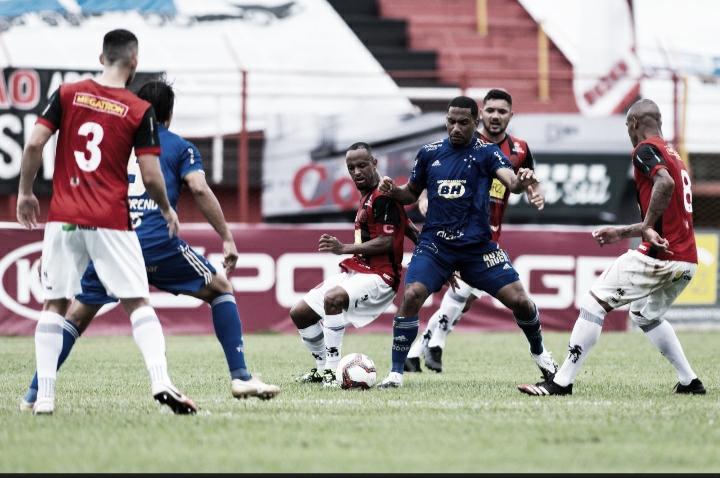 Cruzeiro joga mal e é derrotado pelo Pouso Alegre com gol bizarro no Mineiro