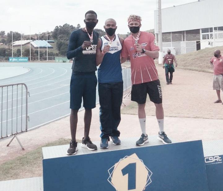Atletas Memorial Santos se destacam em torneio de atletismo em Bragança