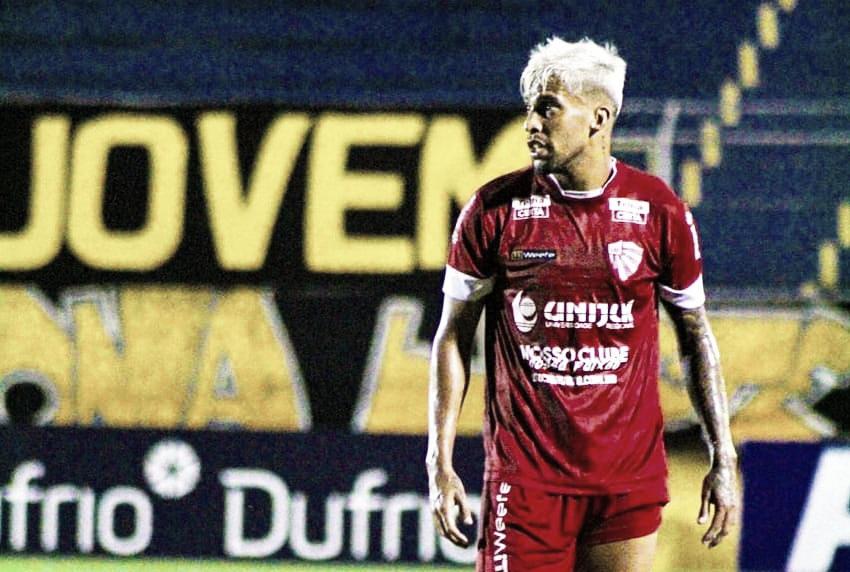 Inspirado por astro europeu, lateral do São Luiz é destaque no Gauchão de 2021