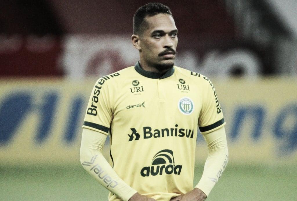 Mikael, do Ypiranga, fala sobre o duelo contra o Grêmio neste sábado: 'jogo muito estudado'