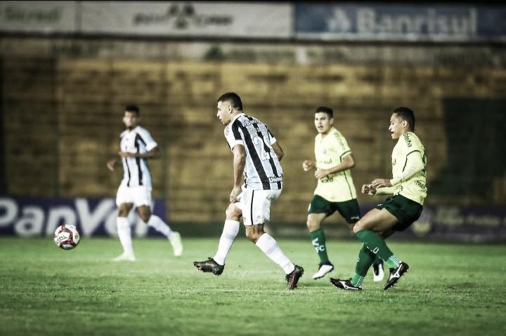 Grêmio vence Ypiranga em jogo movimentado e termina primeira fase do Gauchão na liderança
