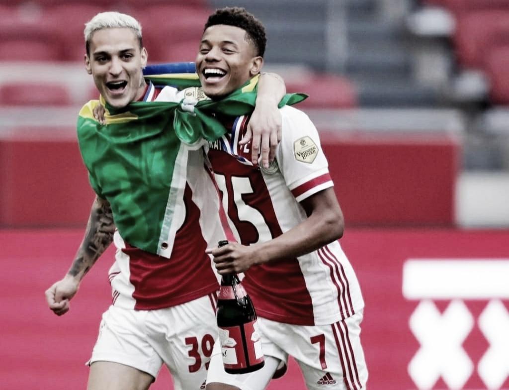 Com Ajax, David Neres é campeão do Holandês