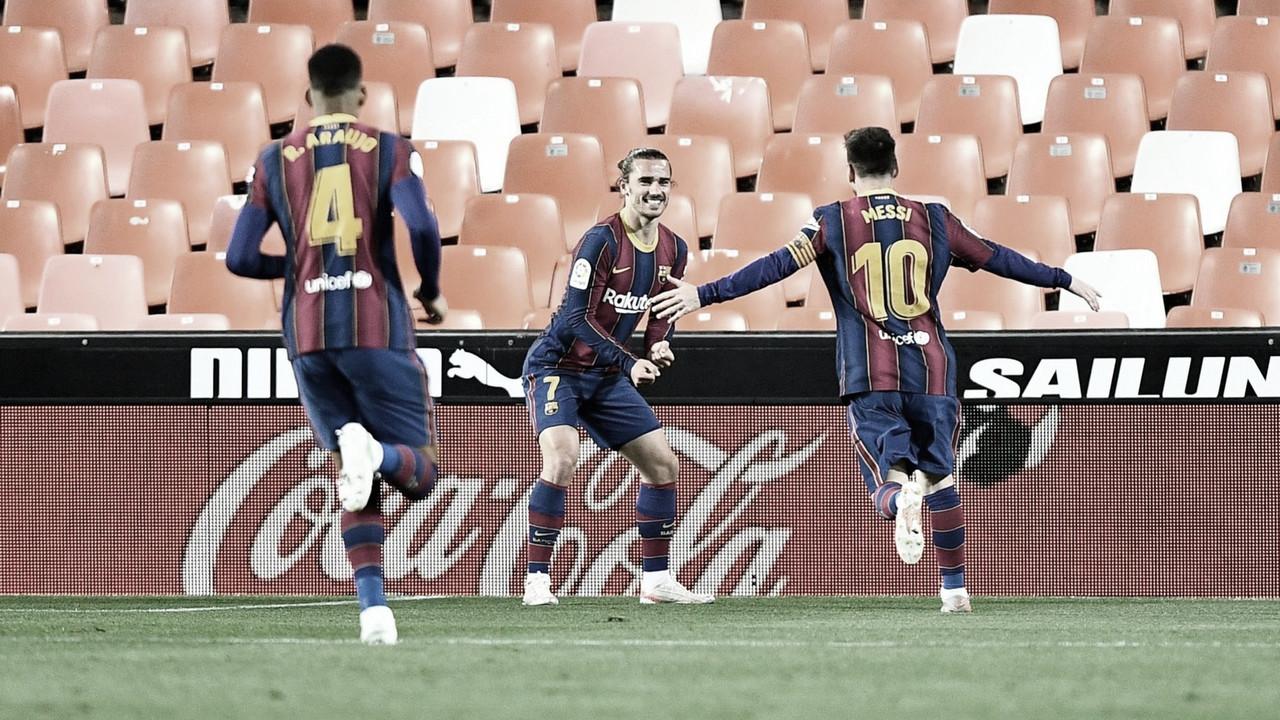Messi faz dois, Barcelona derrota Valencia e segue na disputa por LaLiga