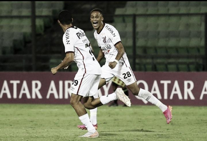 Athletico vence Metropolitanos na Venezuela e segue vivo na Sul-Americana