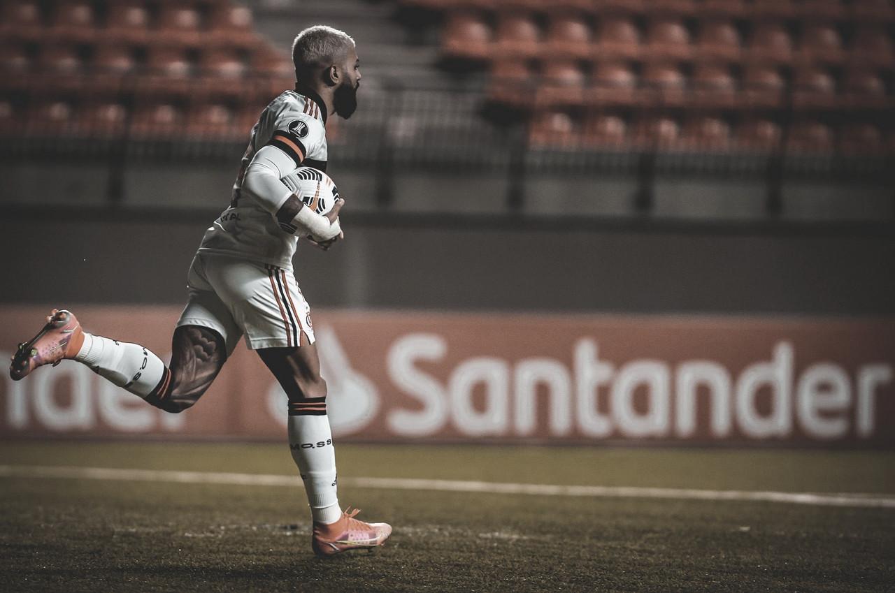 Gabigol passa Zico e se torna maior artilheiro do Flamengo na Libertadores