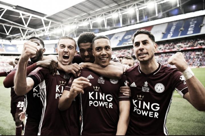 Leicester bate Chelsea e conquista título inédito da Copa da Inglaterra