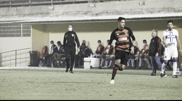 Léo Artur marca e ajuda o Oeste Barueri a chegar nas semifinais da A2