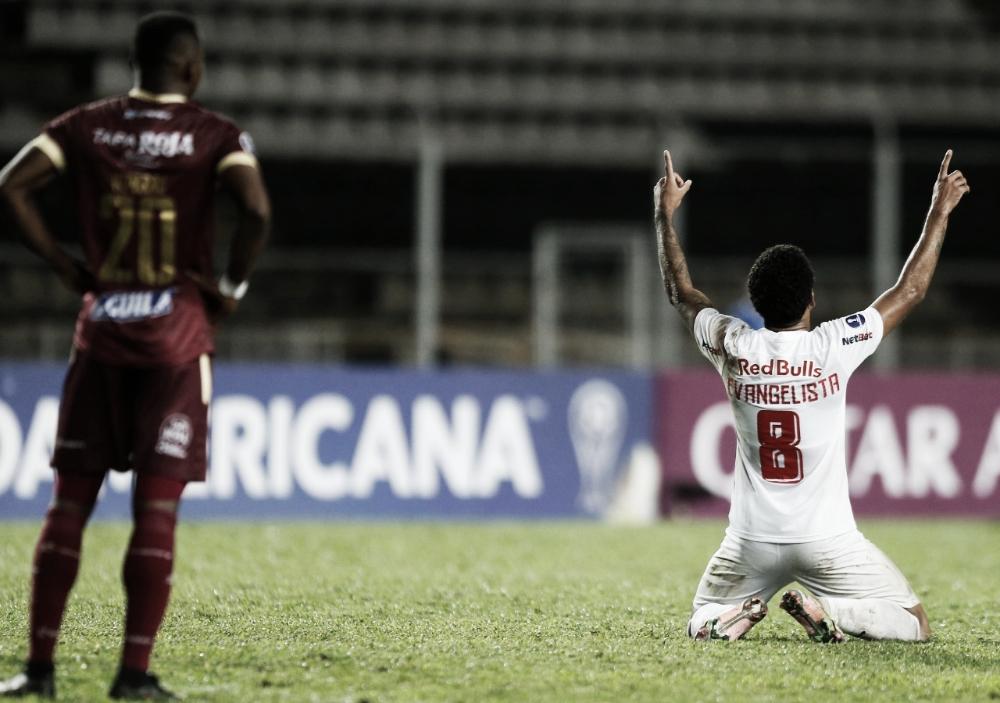 RB Bragantino vence Tolima de virada e se classifica para próxima fase da Sul-Americana