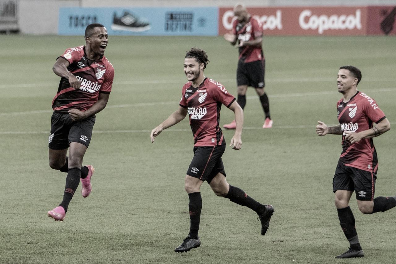Com assistência de estreante, Athletico vence América-MG na primeira rodada do Brasileirão