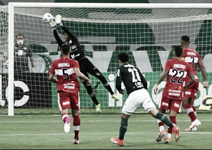 Palmeiras perde para o CRB nós pênaltis e está eliminado da Copa do Brasil