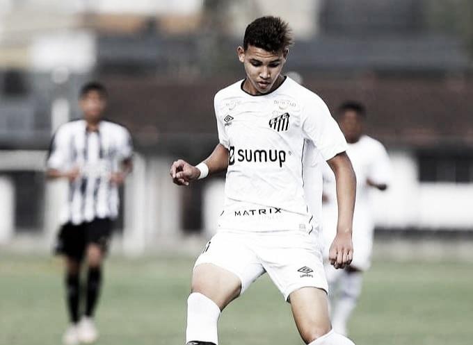 Promessa do Santos, Deivid projeta clássico alvinegro decisivo pelo Brasileirão sub-17: 'O elenco está focado na busca pela vitória'