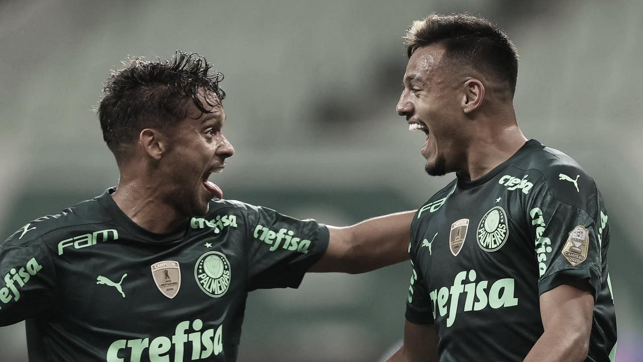 Palmeiras embala, conta com tropeço do Bragantino e assume liderança do Brasileirão