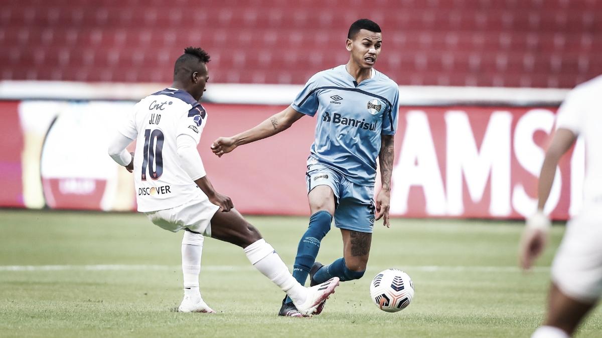 Chapecó brilha, Léo Pereira marca e Grêmio vence LDU fora de casa pela Sul-Americana