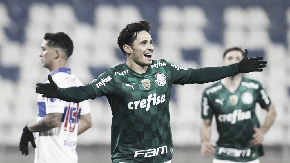 Fora de casa, Palmeiras bate Universidad Católica, quebra recorde e sai na frente nas oitavas da Libertadores