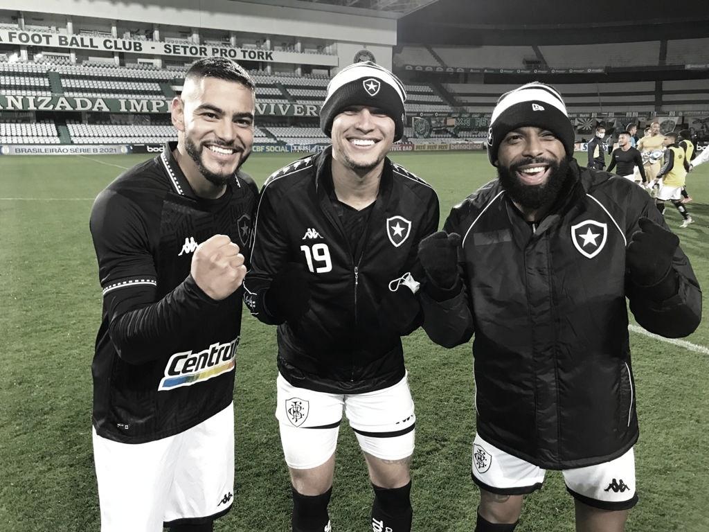 Botafogo quebra invencibilidade do Coritiba no Couto Pereira e entra no G-4 da Série B