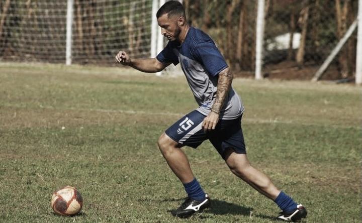 Aparecida-GO contrata volante Felipe Pelles