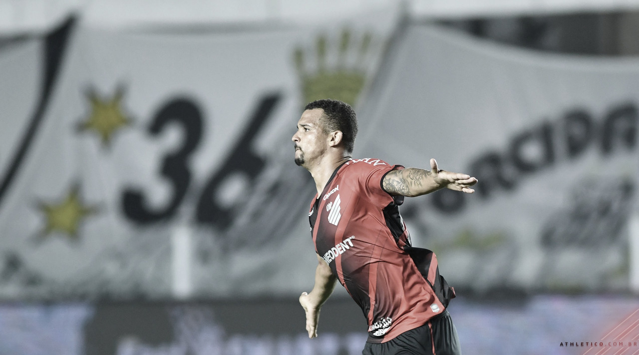 Athletico supera Santos e volta às semis da Copa do Brasil