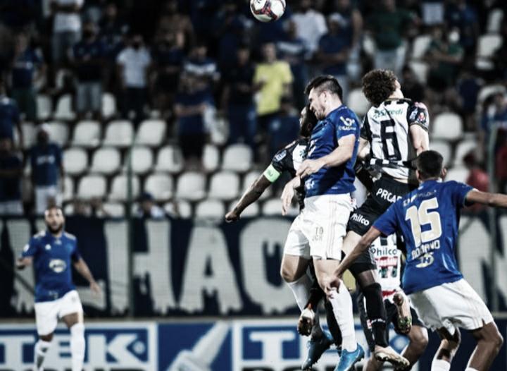 Com confusão no fim por gol anulado, Cruzeiro fica no empate com Operário