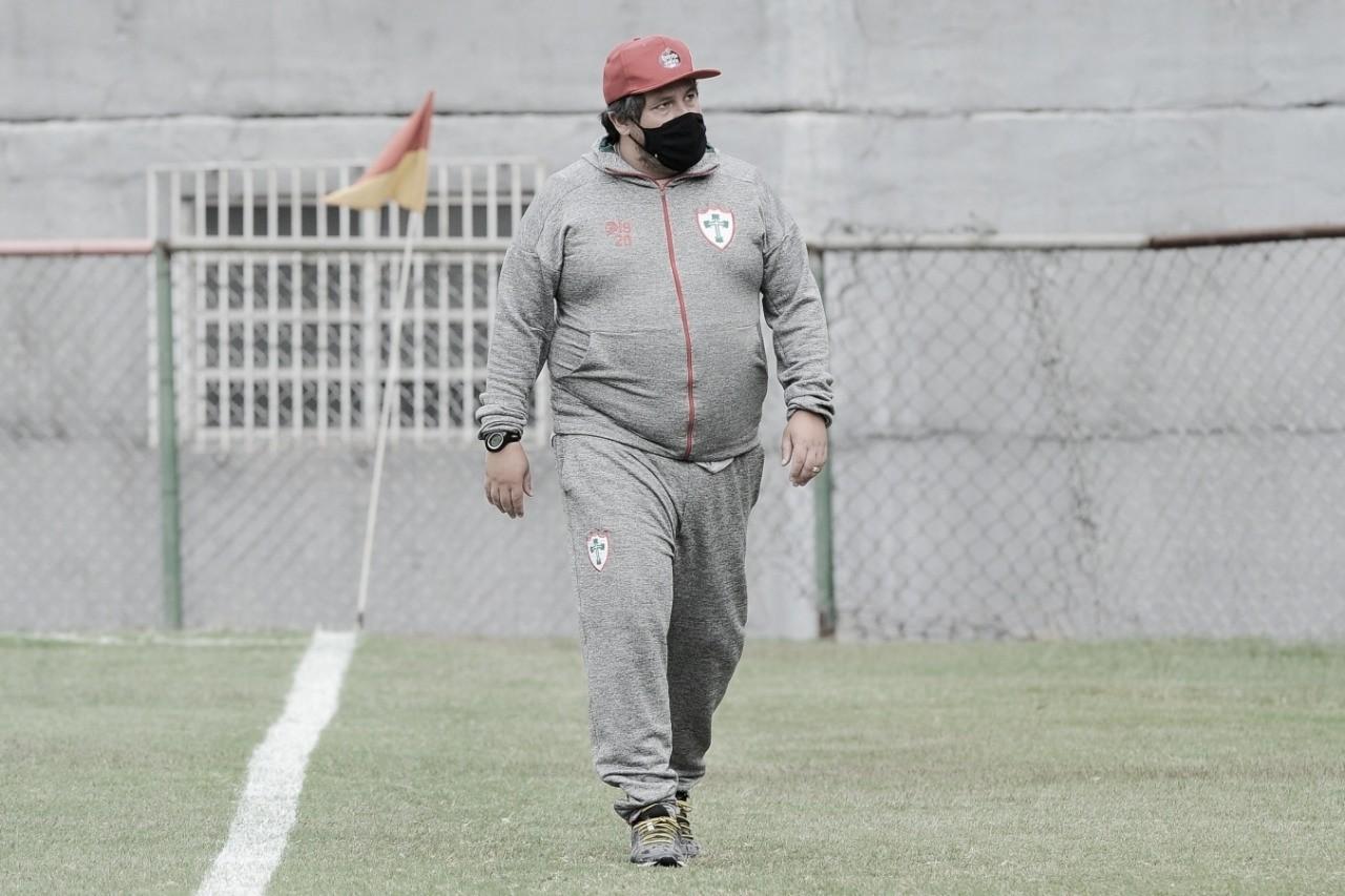 Técnico Fernando Marchiori deixa Portuguesa sob ameaças