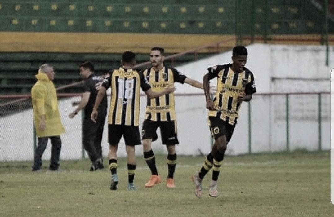 Mesmo com um a mais, Paraná perde para o Volta Redonda em sua estreia na Copinha
