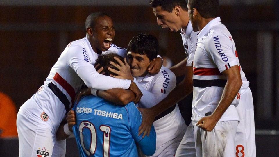 São Paulo faz valer a tradição, vence no Morumbi e está na próxima fase da Libertadores