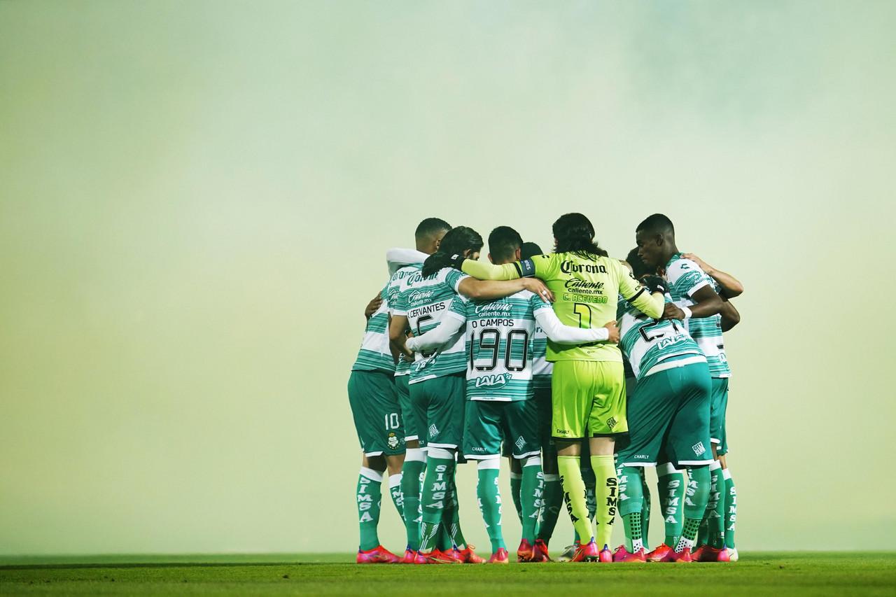 Santos buscará su séptimo título frente a Cruz Azul en su doceava final