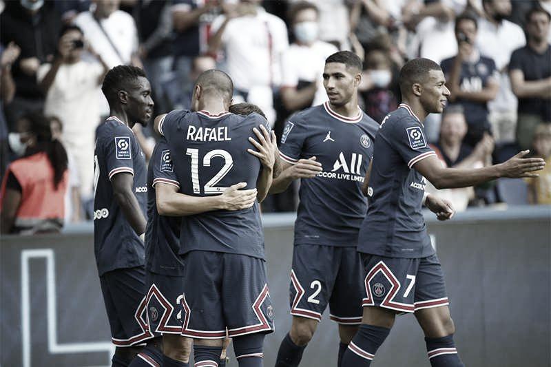 Eficiente nas finalizações, PSG goleia Clermont e segue com máximo aproveitamento na Ligue 1