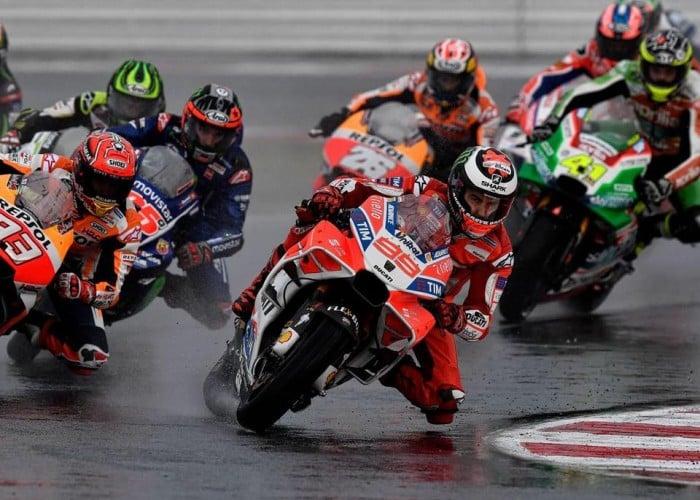 """MotoGp, Ducati - Lorenzo tra caduta e fiducia: """"Errore grave, ma miglioriamo"""""""