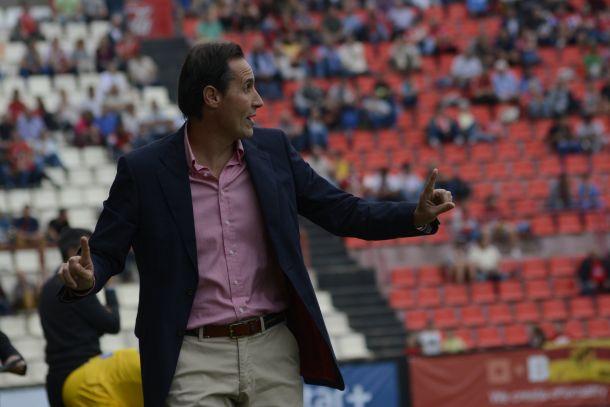 """Vicente Moreno: """"Hemos dominado, pero en dos errores ellos se han llevado el partido"""""""
