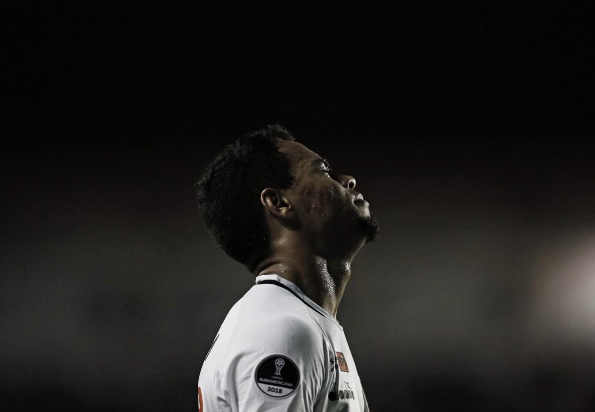 Vasco pressiona e vence, mas LDU avança às oitavas da Copa Sul-Americana