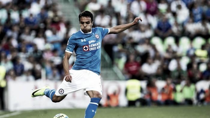 ¿Tiene Omar Mendoza el nivel de un lateral titular en Cruz Azul?