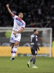 El Lyon gana a base de contragolpes