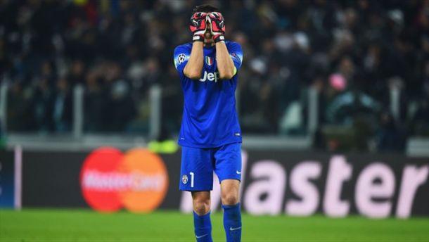 Un resbalón deja vivo al Borussia Dortmund ante la Juventus
